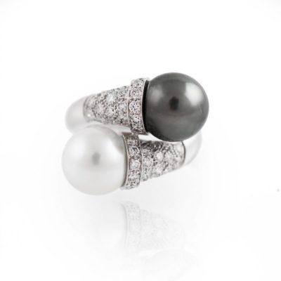 APF Contrarie Anello oro 18kt brillanti e perle TH e AU